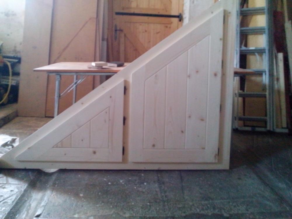 Placard Sous Escalier En Triangle
